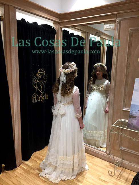 Paula con vestido de Hortensia Maeso en Angeli