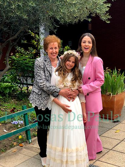 La tia Mari con sus sobrinas